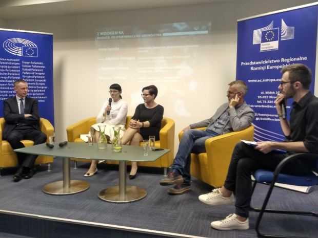 Debata w gronie panelistów